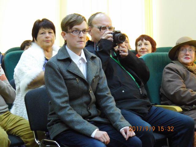 Илья Маслов в ожидании выступления