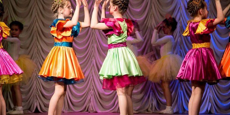 Танцевальный коллектив Кристалл
