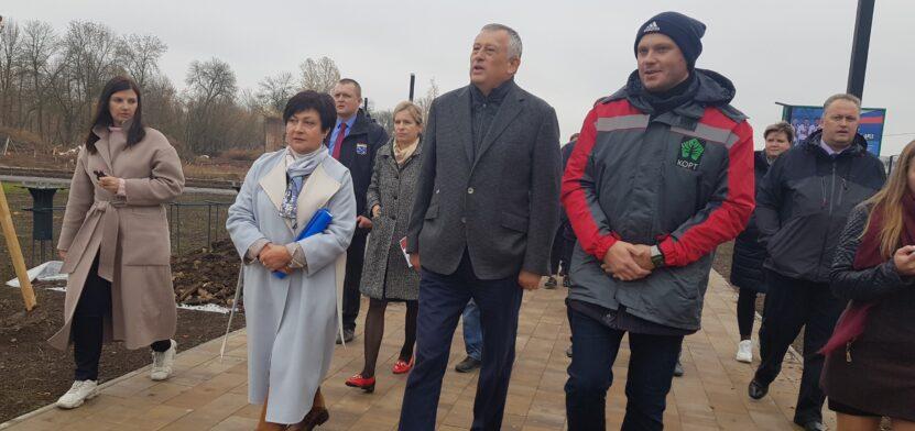 Губернатор на бульваре Авиаторов
