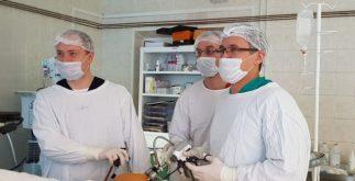 Алексей Федченко (справа) во время операции