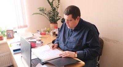 Алексей Невский за работой