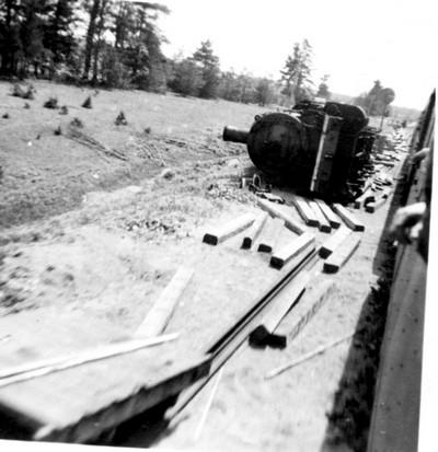Крушение немецкого паровоза в райне станции Сиверская, трафейный снимок 1942 г.