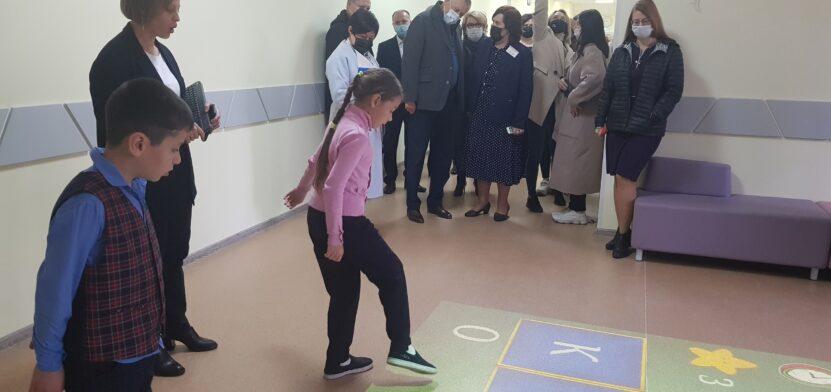 Губернатор в Войсковицкой школе