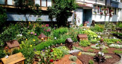 Красивый двор частного дома своими руками: как красиво украсить.