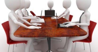 Человечки за столом
