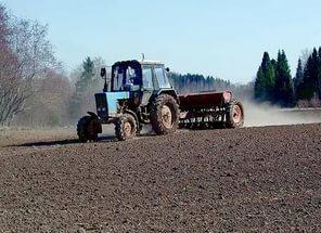 Трактор - сев